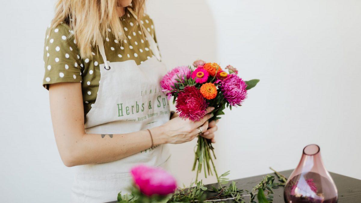 Potwór pracowników z furloughed kwiaciarnia